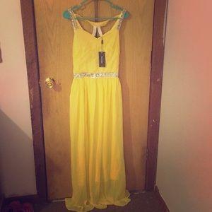 Yellow Fancy Formal dress size medium sparkly
